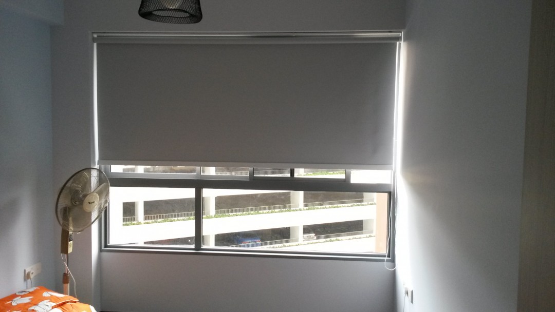 Lake Vista – Indoor & Outdoor Roller Blinds