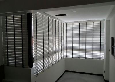 Bedok Court – Timber Venetian Dual Shade Blinds