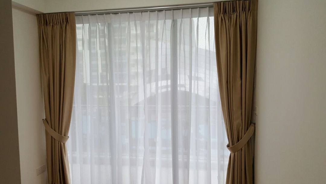 Flo Residence – Curtains with Roller Blinds
