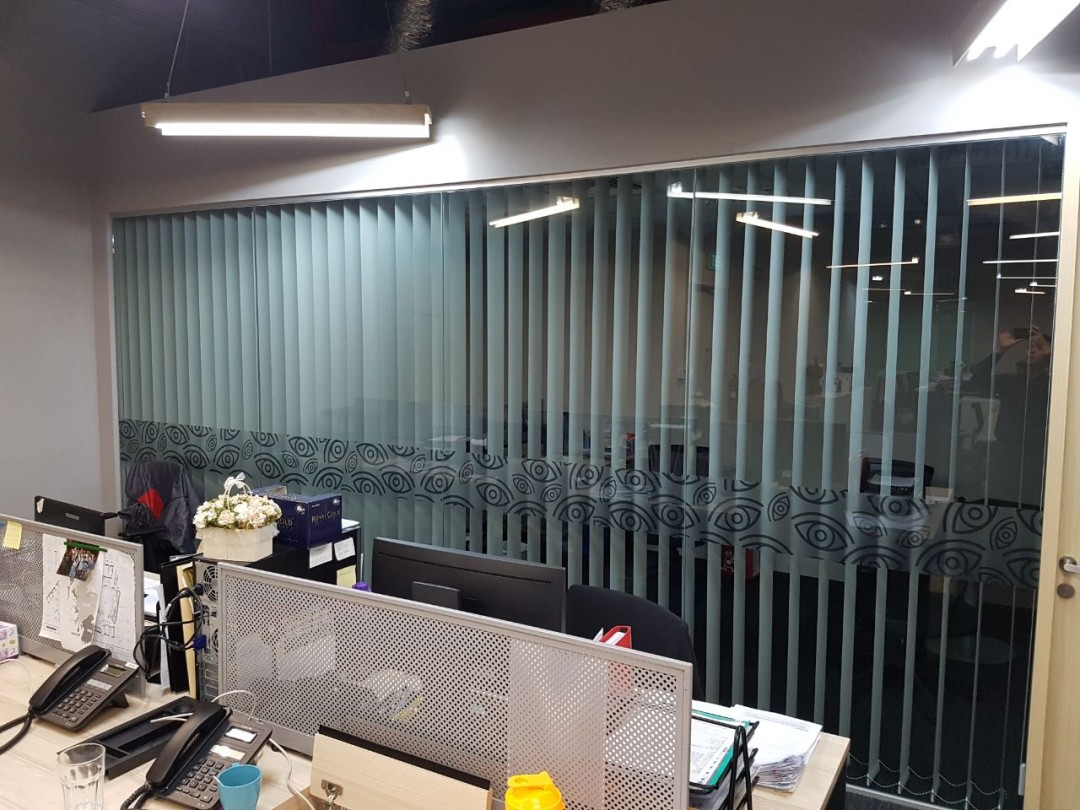 Zouk Office – Vertical and Roller Blinds