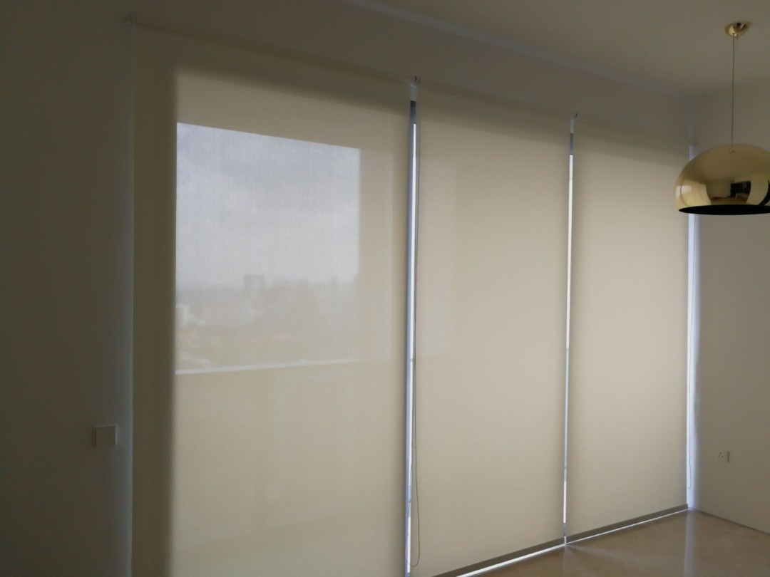 Condo Echleon – Perforated & blackout roller blinds