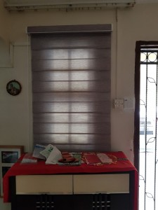 Combi blinds living room entrance close view